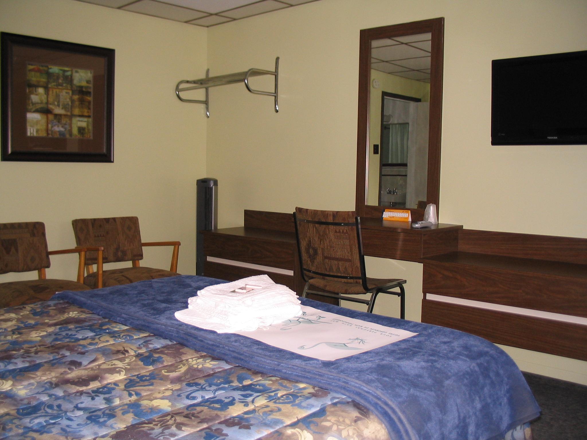 chambres et tarifs motel spring. Black Bedroom Furniture Sets. Home Design Ideas