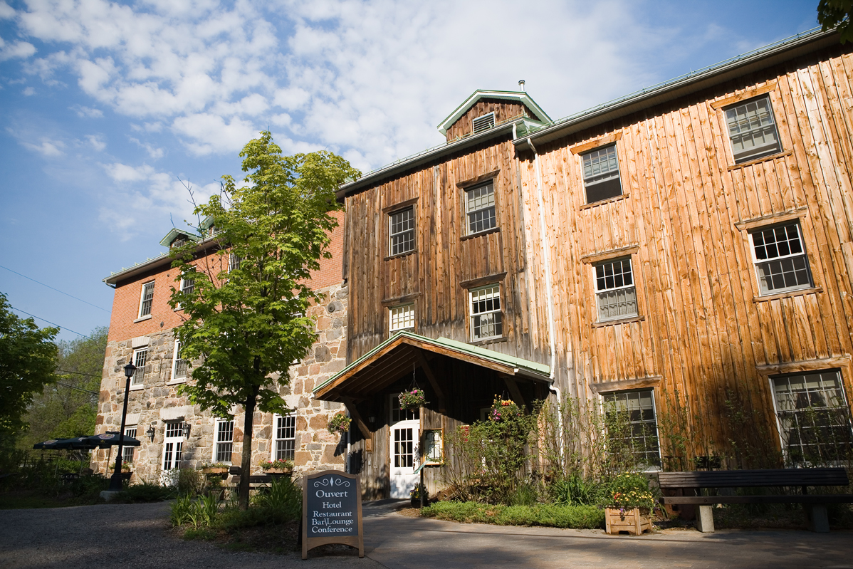 Accommodation Le Moulin Wakefield Mill