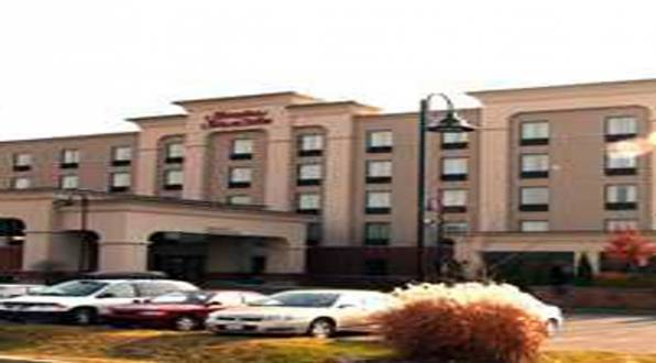 Hampton Inn & Suites By Hilton Laval